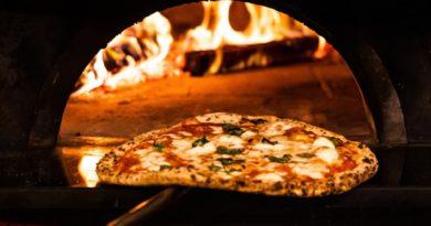 giovedì 22 luglio: Speciale Pedali nella notte con pizza